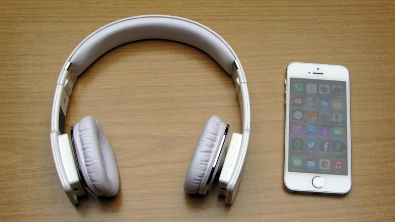 fantec-shs-421bt-groessenvergleich-iphone